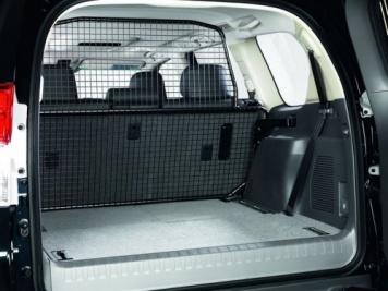 Toyota Land Cruiser 7 Seater 2010 Onwards Full Height Dog Guard